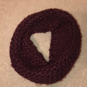 Maroon knitted infinity scarf